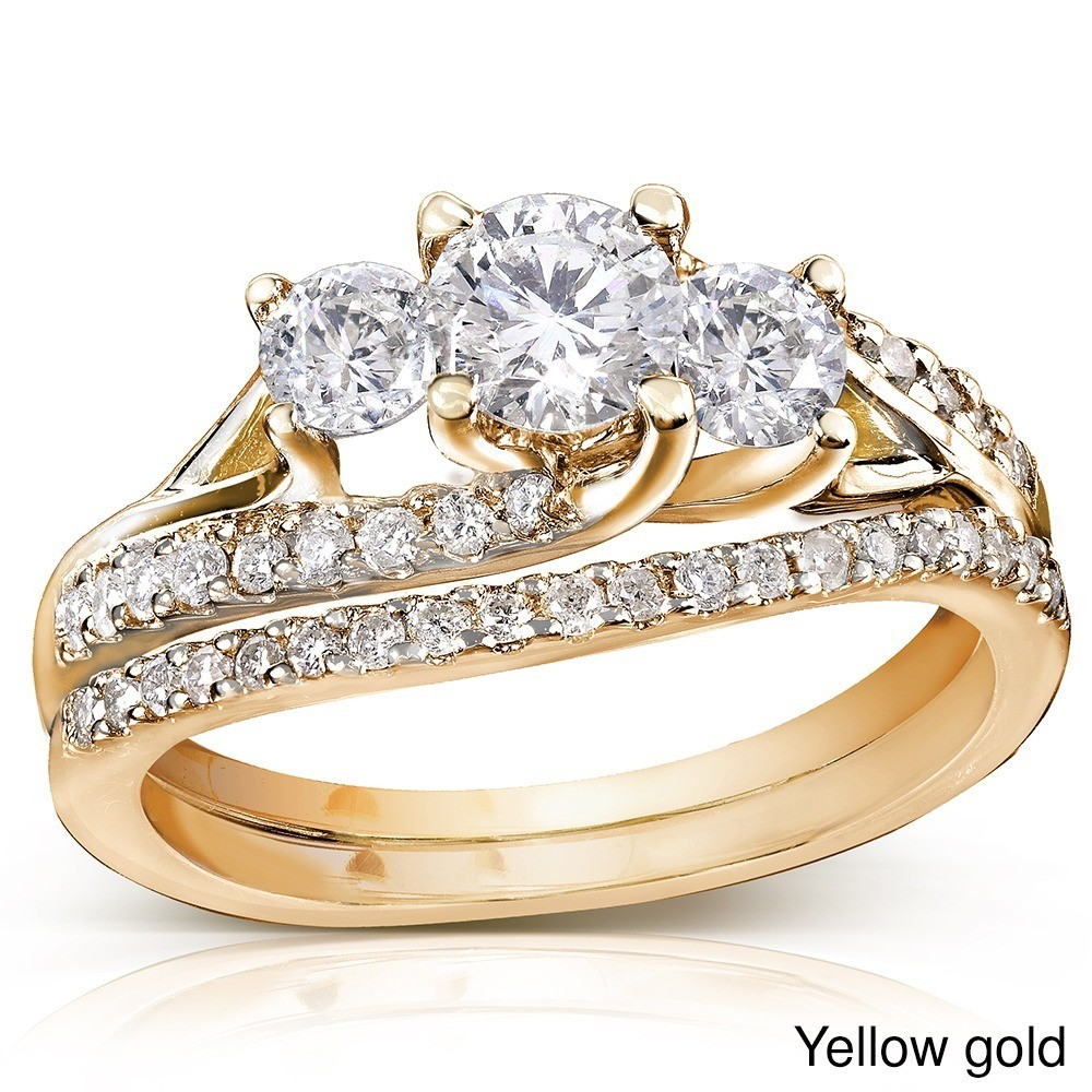 Charmant 1 Carat Trilogy Round Diamond Wedding Ring Set In Yellow Gold ...